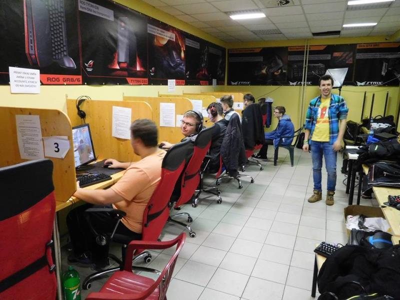 Počítačový klub, ve kterém si na našich PC můžete zahrát většinu současných esportových pecek. Součástí našeho klubu je i Xbox One