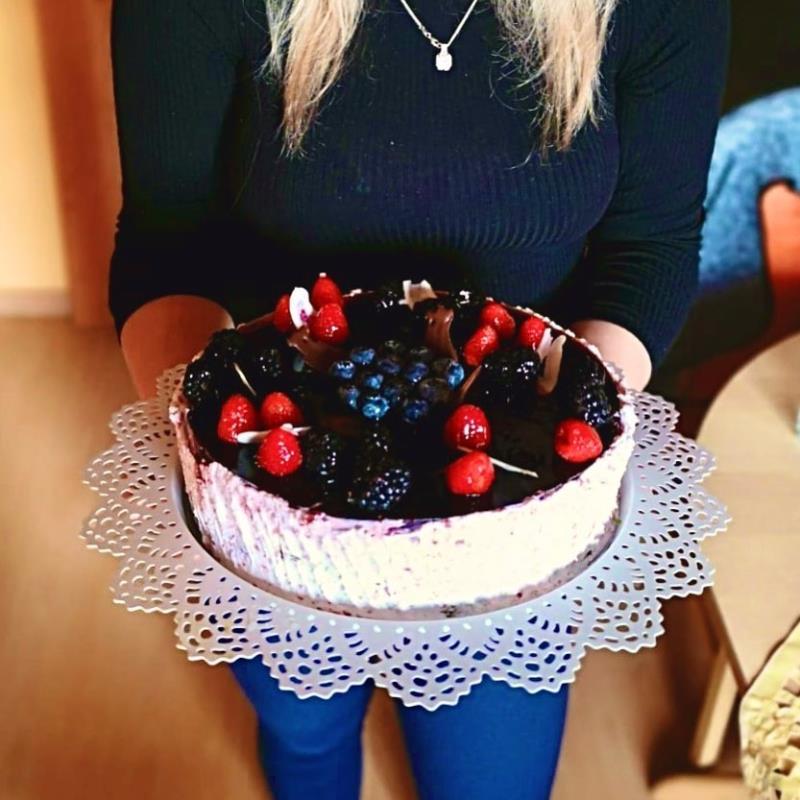 Protože ani na Vašich rodinných oslavách nesmí chybět náš dort! Pečeme na objednávku přesně dle Vašich přání.