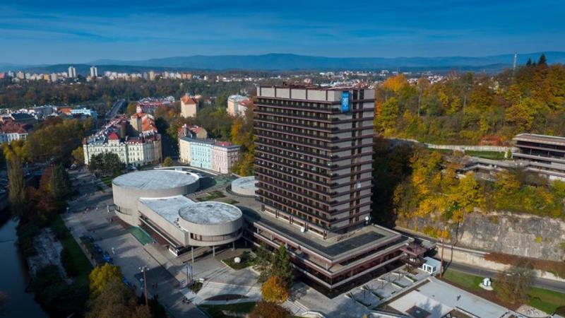 V rámci podpory cestovního ruchu nabízí město Karlovy Vary slevové vouchery na pobyty v termínech od 25. 5. 2020 do 30. 9. 2020. Ty se vztahují jak na ubytování samotné, tak různé slevové balíčky. Využijte voucher v našem hotelu Thermal a dopřejte si relaxační lázeňský pobyt