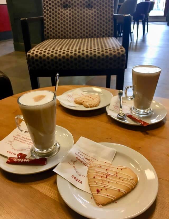 Celý tento týden si u nás můžete vychutnat Valentýnské menu. Malé Caffé latte s Valentýnským srdcem!