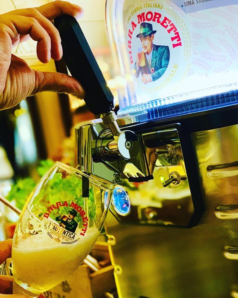 na bar dorazil tenhle výčepní krasavec s várkou ikonického italského piva!