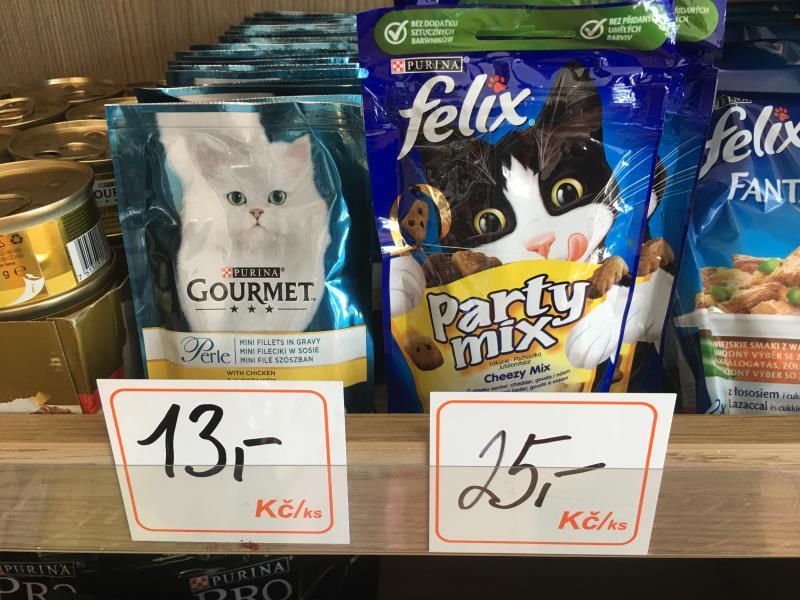 Kapsička a pochoutka pro kočky :)