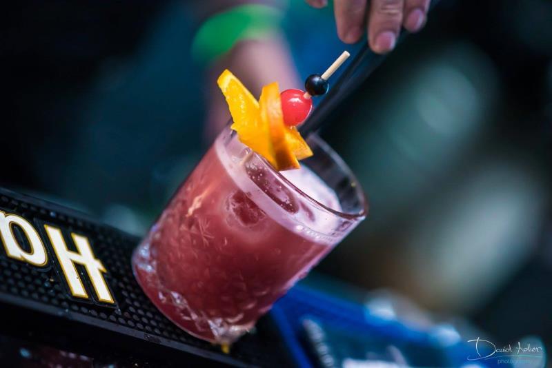 Právě chystáme novou sezonní nabídku koktejlů, od zítra můžete přijít ochutnat :) těšíme se na Vás