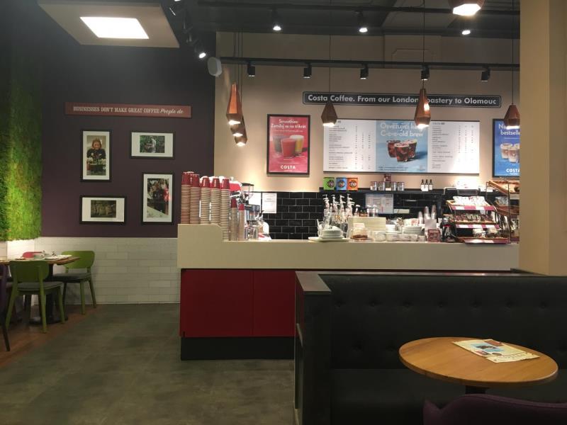 Na kafe, na obchodní schůzky, k relaxu a odpočinku Vás zveme co Costa Coffee :)