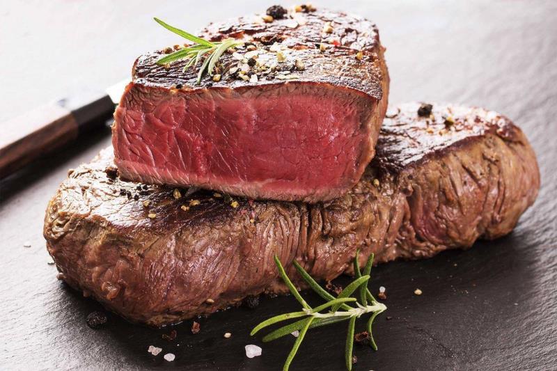 Připravili jsme pro vás ochutnávku steakových mas . Těšit se můžete na vyzrálá masa , speciální omáčky, přílohy . Steaky tentokrát budeme párovat s kubánskými rumy.  Celý víkend bude gastronomický zážitek. Pro rezervace míst volejte 585233251.
