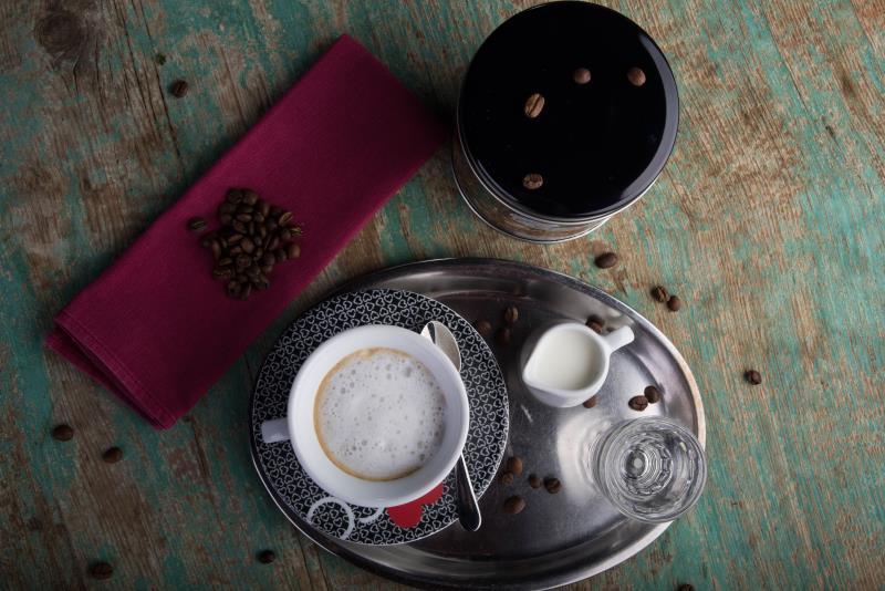 HAPPY HOURS - každý všední den mezi 15:00 a 17:00 vás srdečně zveme na výbornou kávu s denním dezertem za zvýhodněnou cenu 69 Kč.