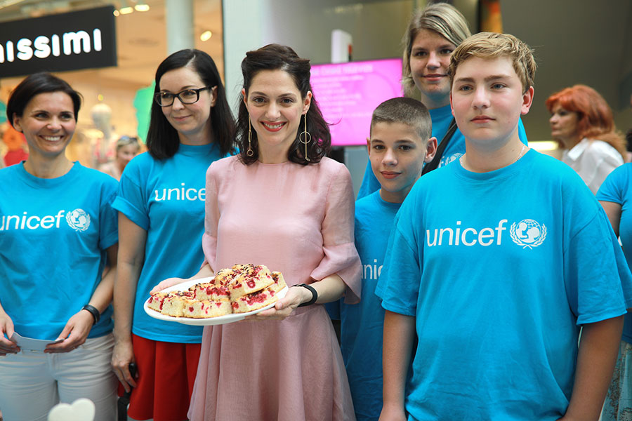 PEČENÍ S UNICEF VE ZLATÉM JABLKU